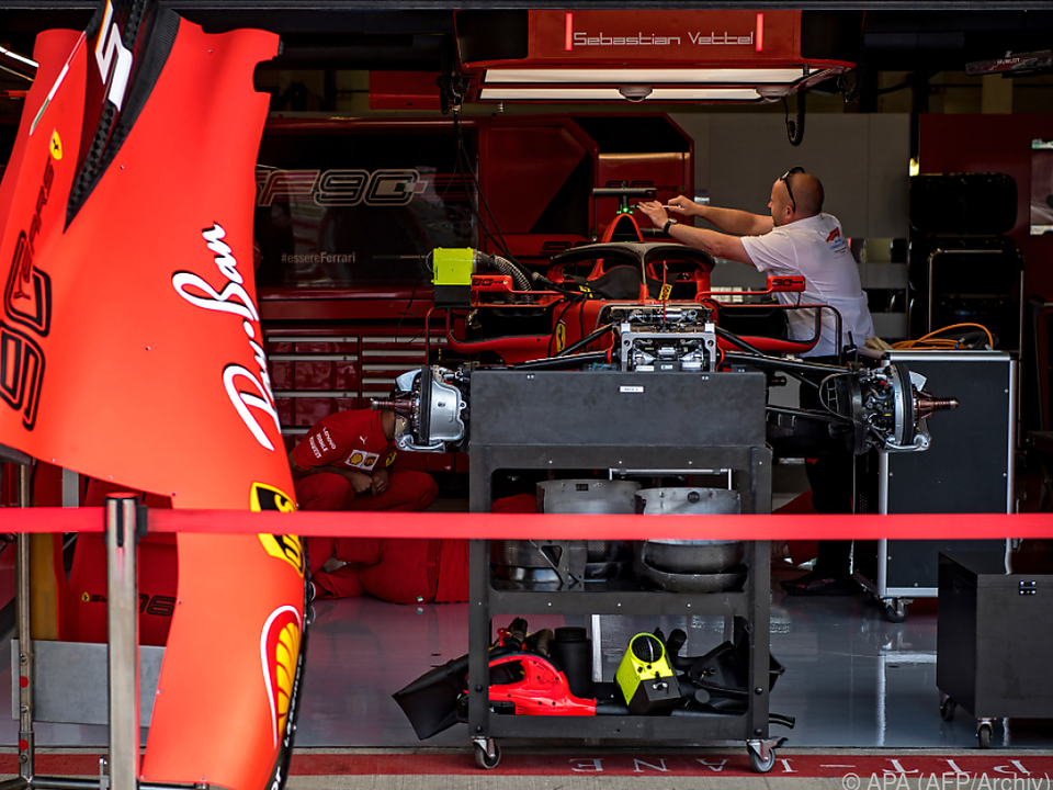 Flüchtlinge versteckten sich in Ferraris Rennstall