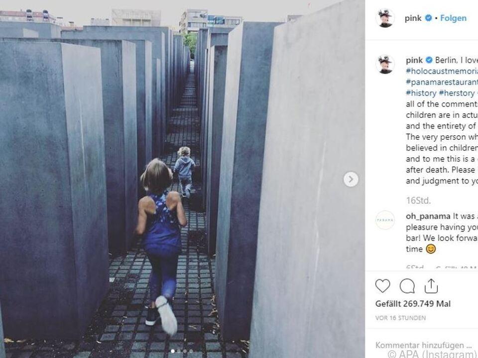Berlin: Foto von Holocaust-Mahnmal: Pink verteidigt sich