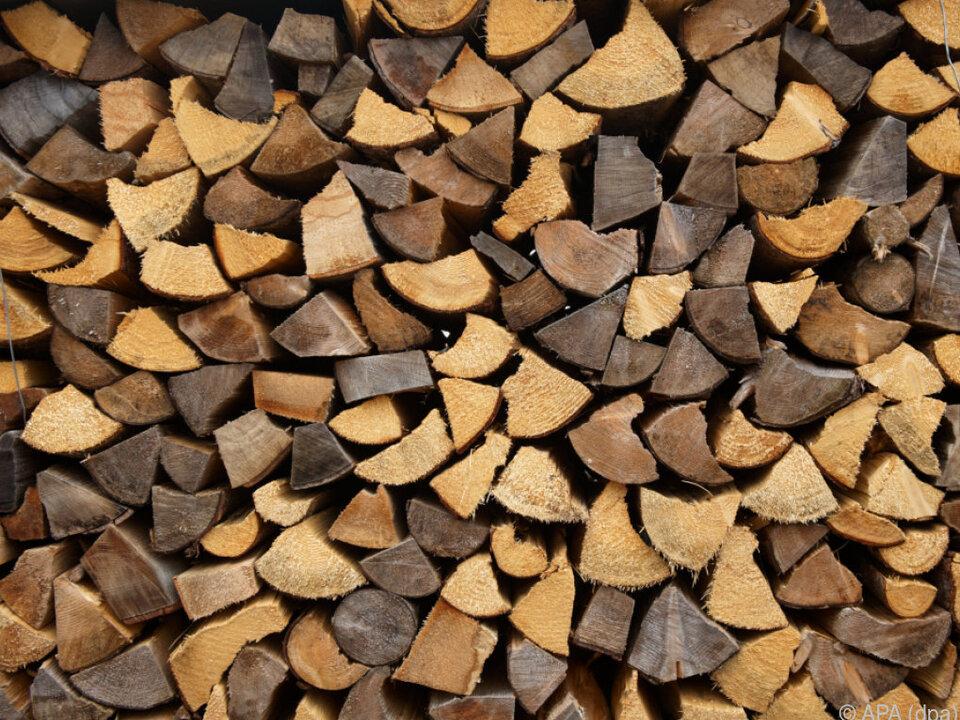 Starker Preisanstieg bei Brennholz Holz heizung