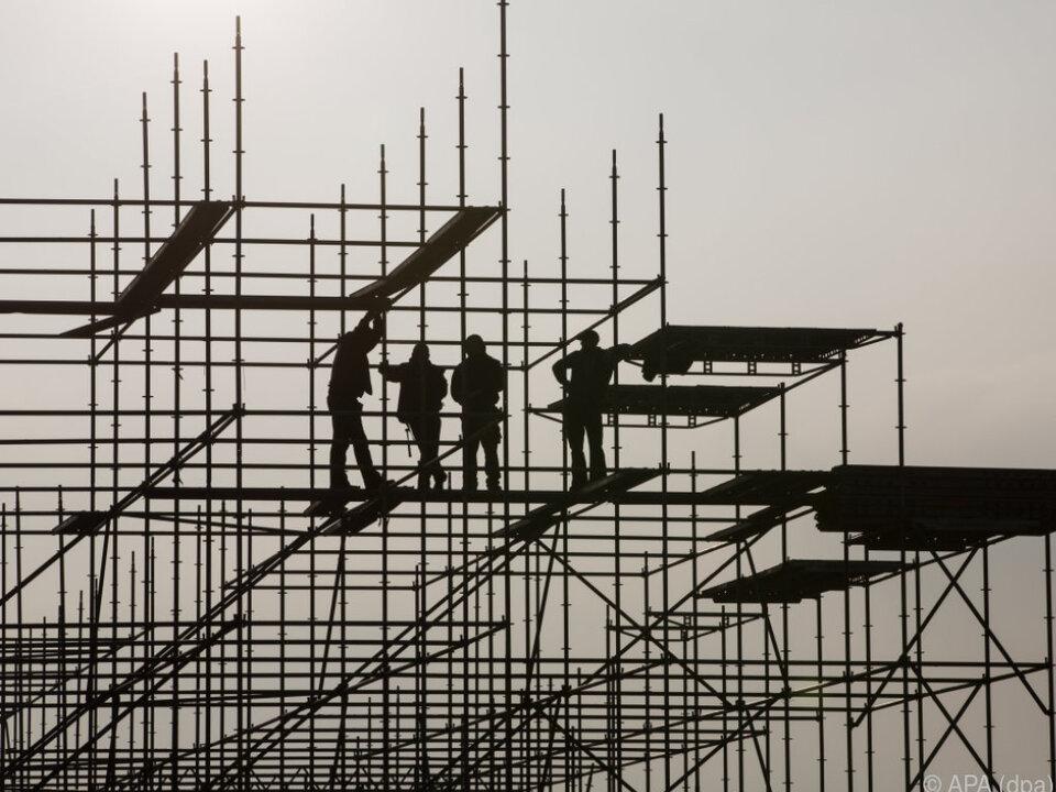 Trotz der Bremse soll die Wirtschaft auch heuer wachsen