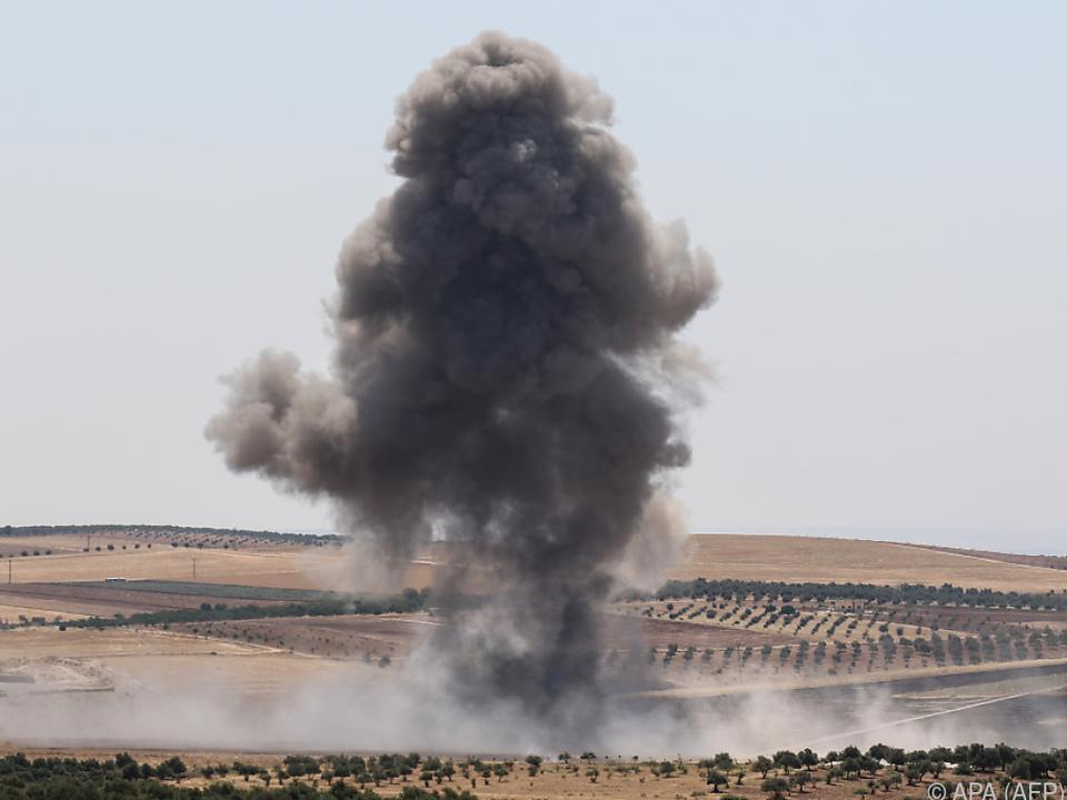 Zivilisten starben bei Luftangriffen in Idlib
