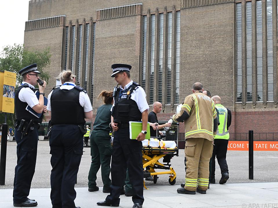 Tate Modern London - Jugendlicher soll Kind aus 10. Stock geworfen haben