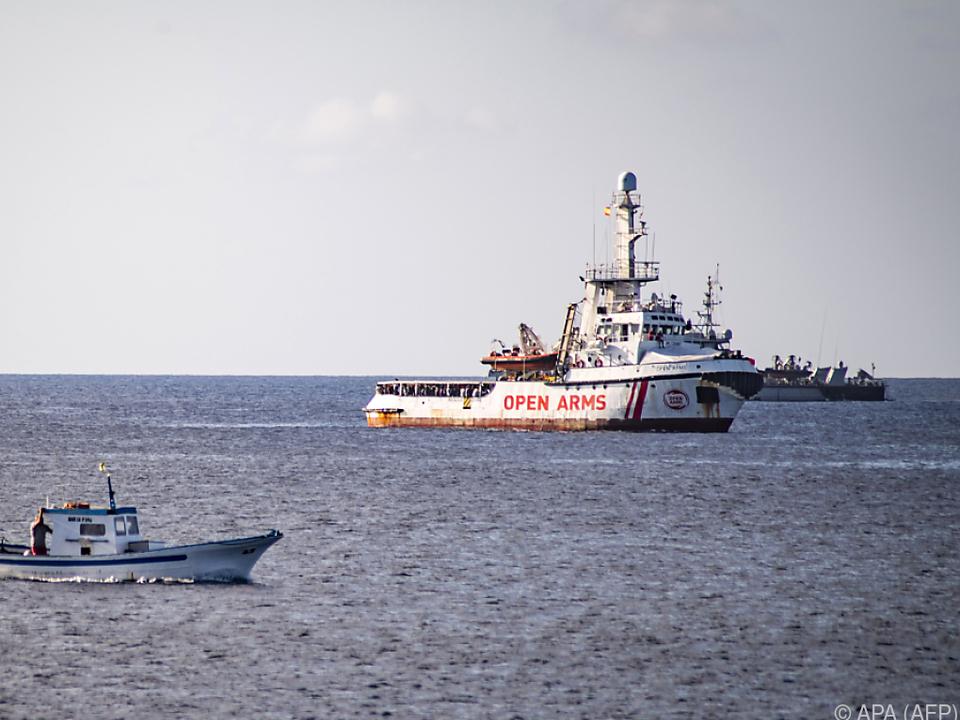 Das NGO-Schiff Open Arms sucht einen Anlegehafen