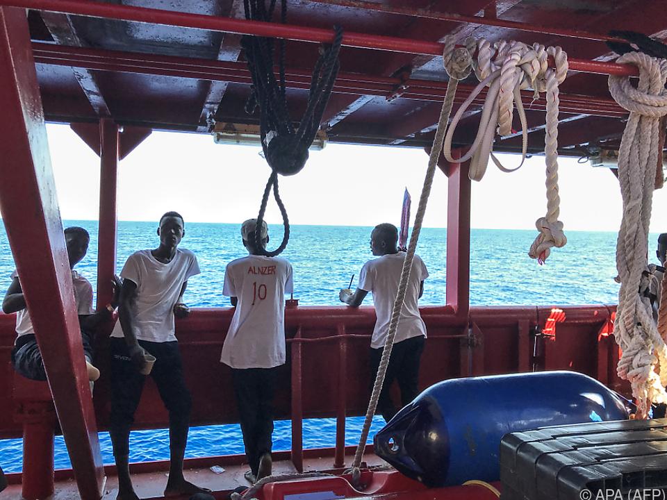 Die 365 Migranten dürfen in Malta von Bord gehen