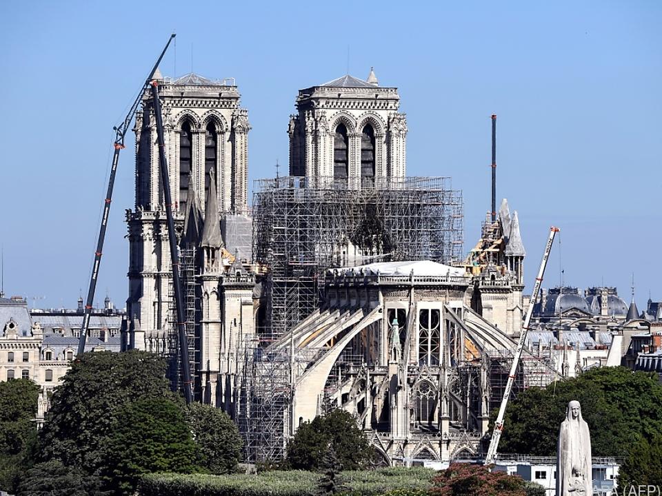 Die berühmte Kirche stand im April in Flammen