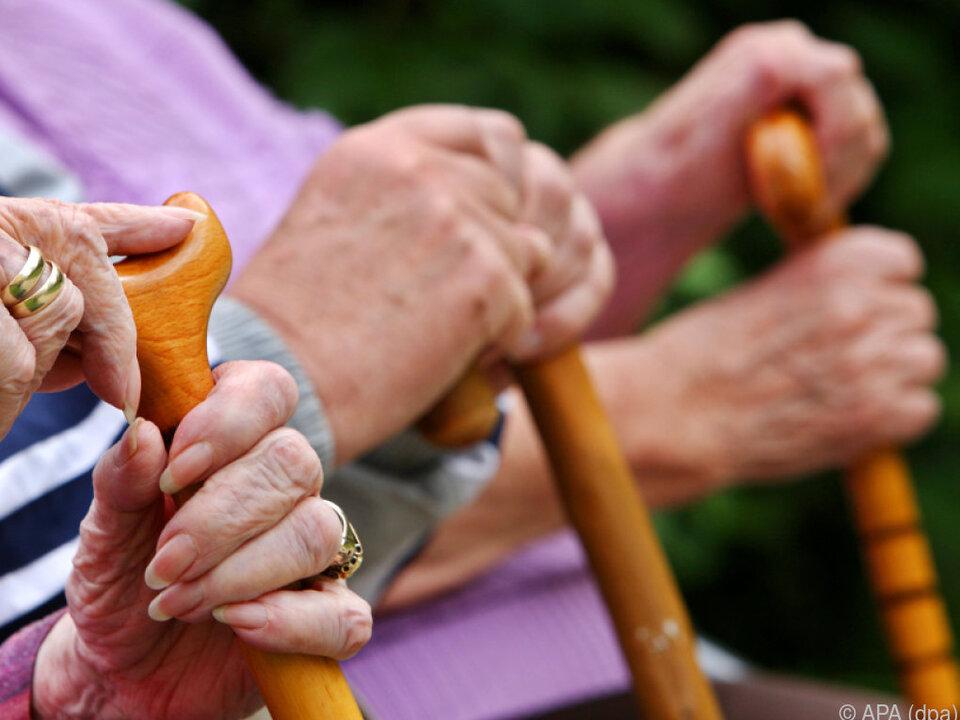 Grund für die Kürzungen ist die Börsenperformance der Pensionskassen