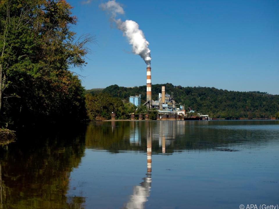Trump will Auflagen für Kohlekraftwerke durchsetzen