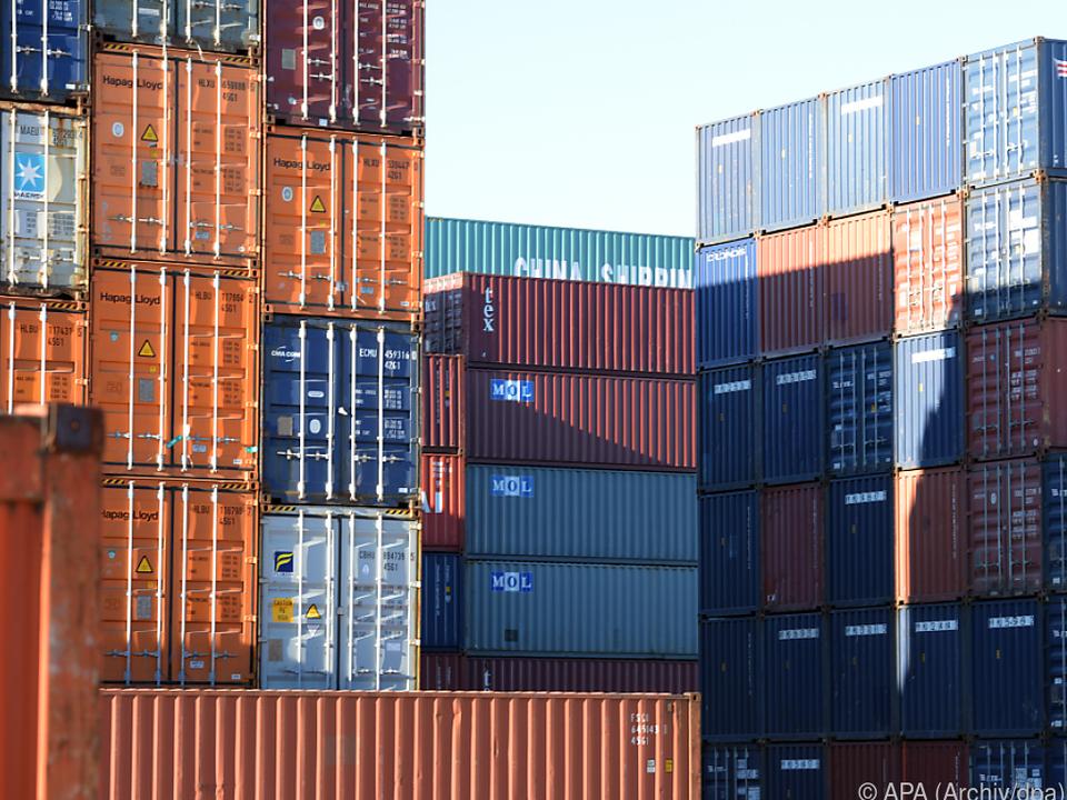 Gesteigerte Importe und Exporte