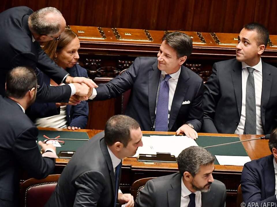 Neue Regierung in Italien:Schlagfertiger Conte überzeugt auch Senat