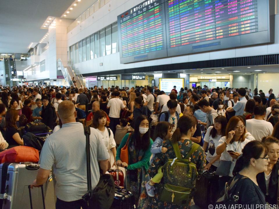 Mehr als 100 Flüge fielen aus