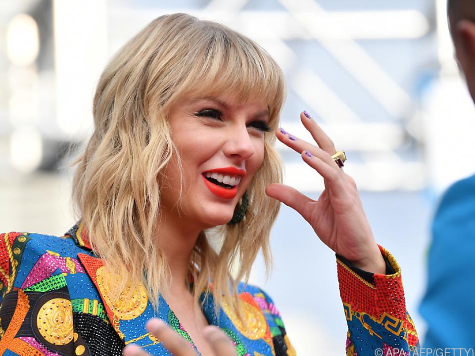 Taylor wird zwei Lieder von ihrem neuen Album singen