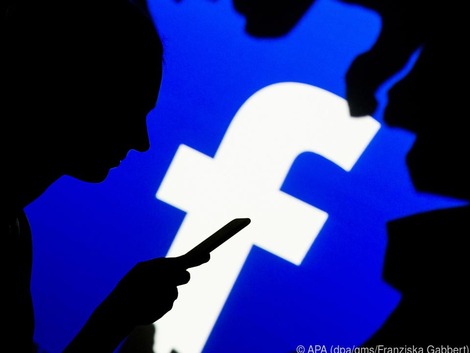 Wer Facebook und Co. intensiv nutzt, will damit vielleicht Stress bewältigen