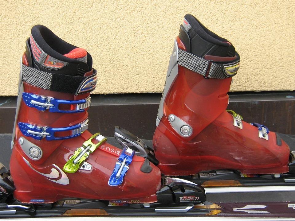 Ski Ausrüstung Skischuhe