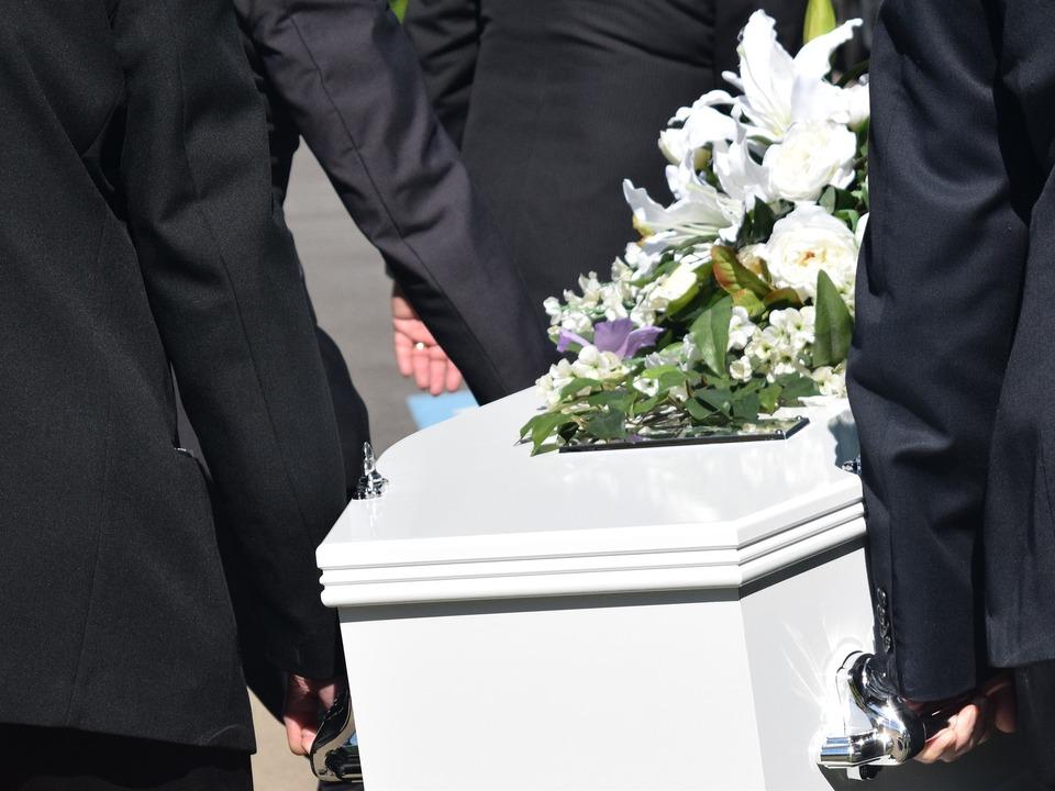 Tod Sarg Beerdigung