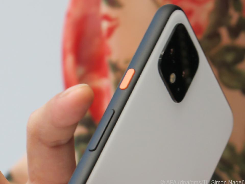Das Pixel 4 unterstützt kabelloses Aufladen mit Qi-zertifizierten Ladegeräten
