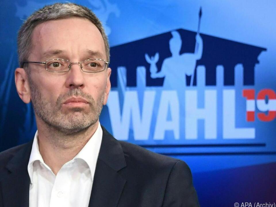 Ex-Innenminister Kickl stellt Anspruch