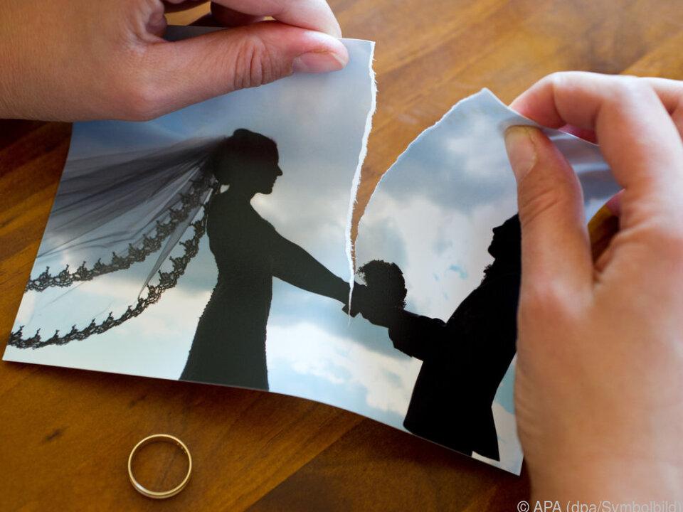 Frau verließ ihren Mann für den Arbeitskollegen trennung ehe ehebruch