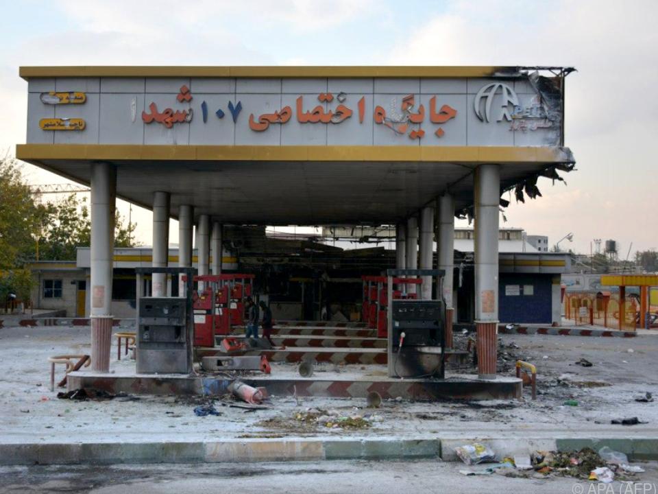 Anhebung der Benzinpreise als Auslöser landesweiter Proteste