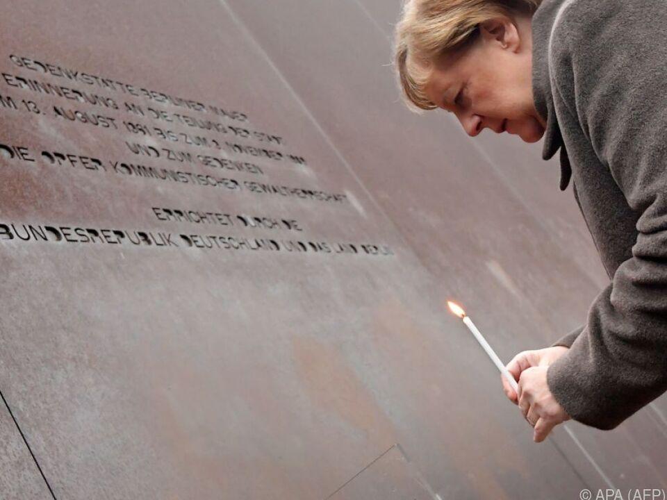 Bundeskanzlerin Merkel entzündete eine Kerze