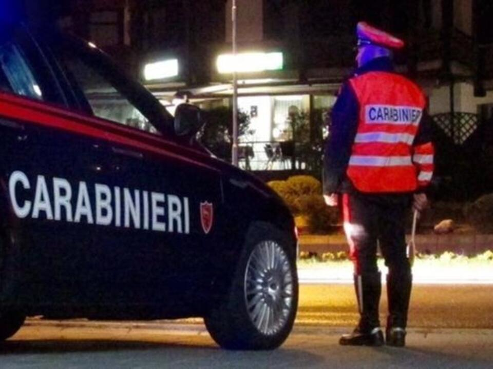 Carabinieri Winter Nacht