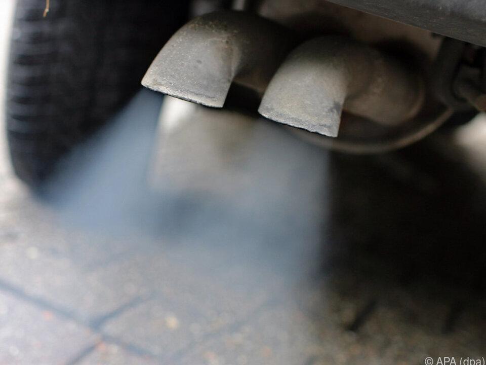 Emissionen des Verkehrs stiegen stärker als Emissionen insgesamt