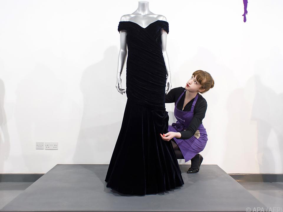 In diesem Kleid hat Prinzessin Diana das Tanzbein geschwungen