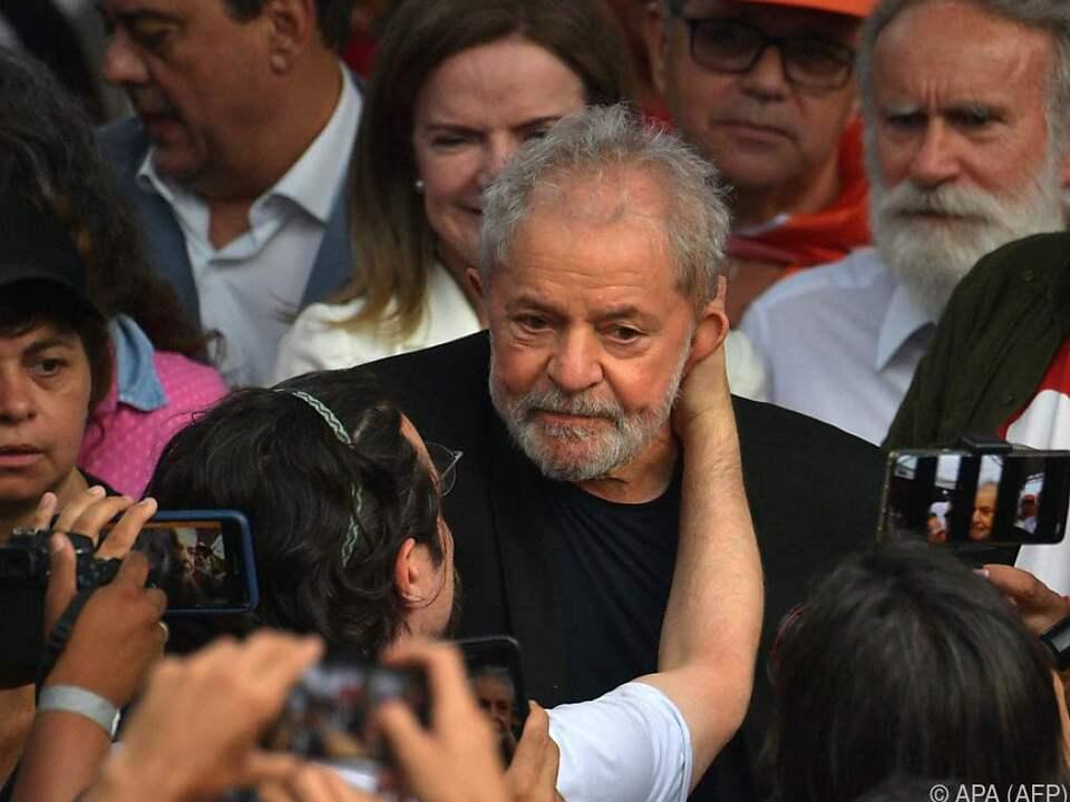 Lula wurde in der Freiheit herzlich begrüßt