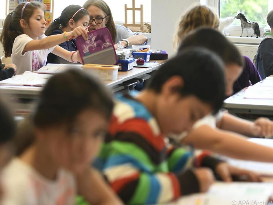 Rund 342.000 Schüler in der Volksschule