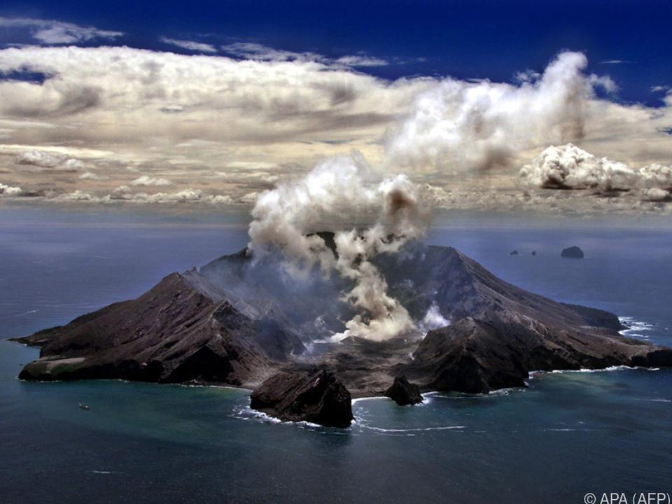 Auf White Island ist ein Vulkan ausgebrochen
