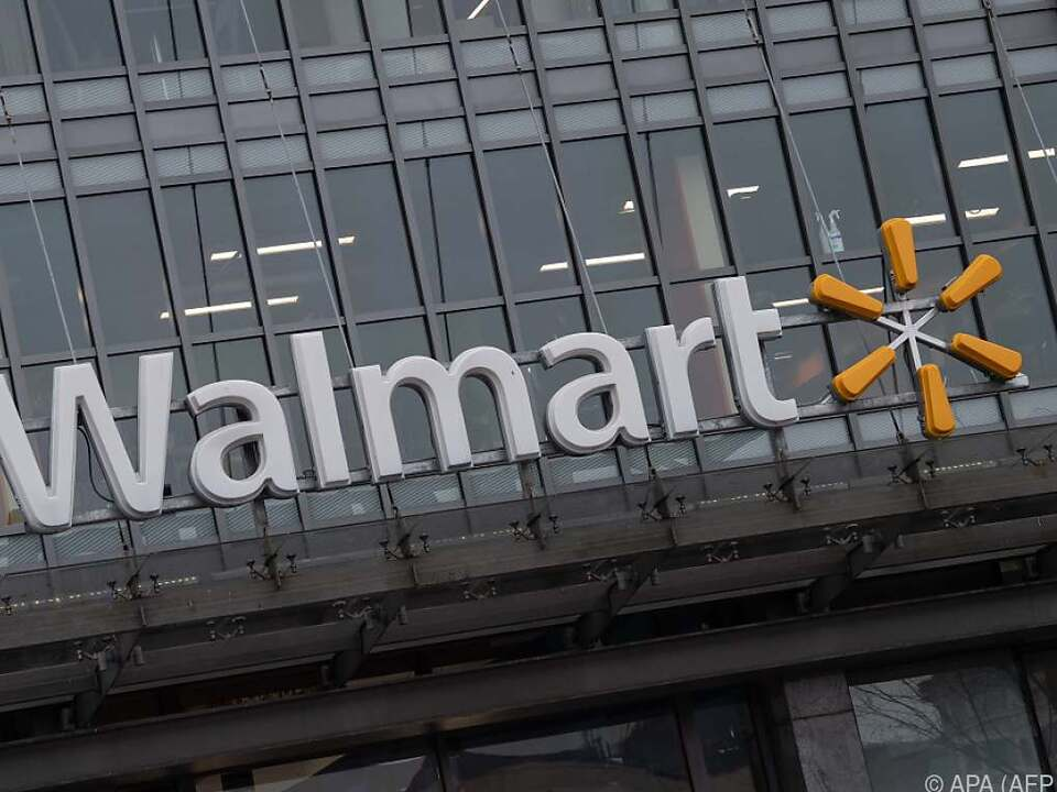 Walmart Kanada bot den umstrittenen Weihnachtspullover an