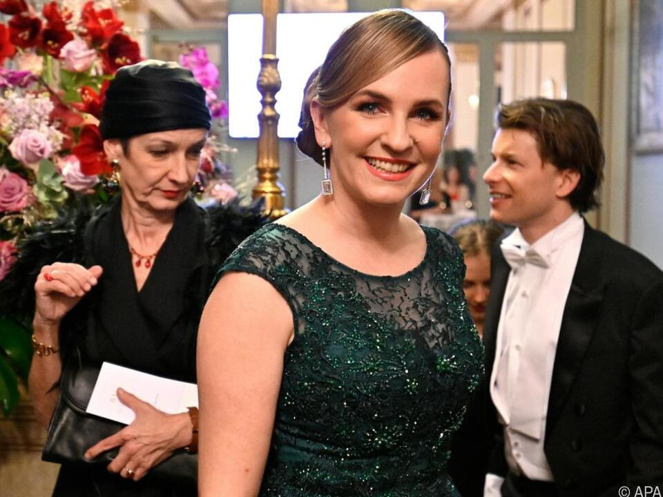 Auch Opernball-Organisatorin Maria Großbauer war vor Ort