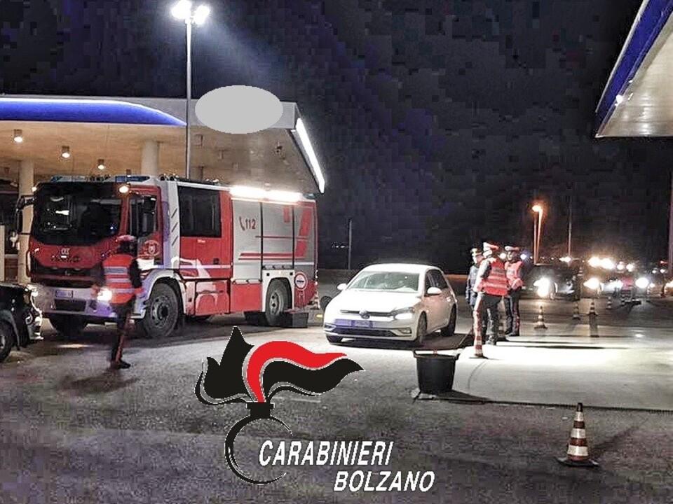 Carabinieri Nacht Kontrolle