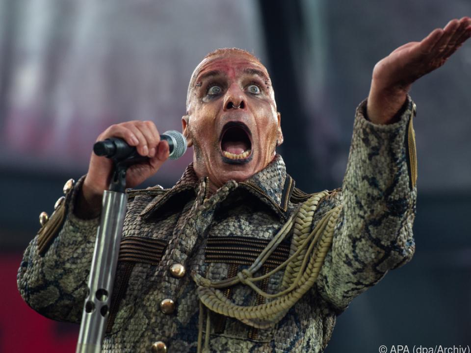 Medienbericht - Musikstars schließen sich gegen Plattenfirmen zusammen - Künstler fordern mehr Geld