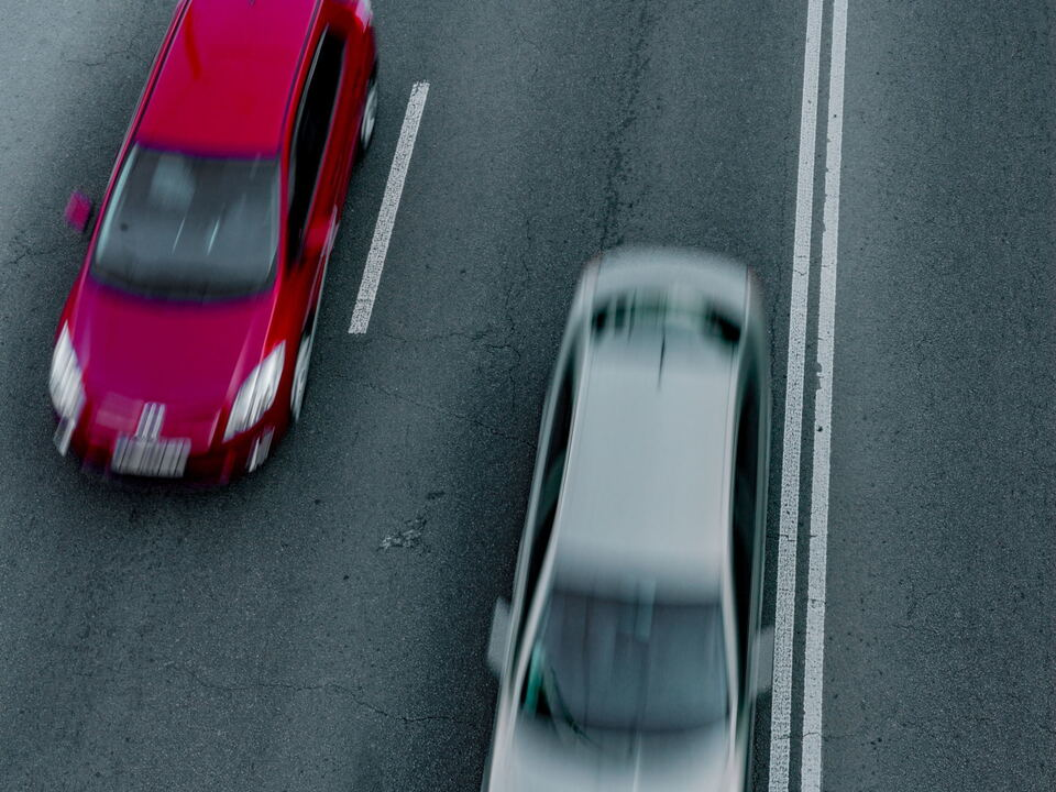 verkehr auto überholen