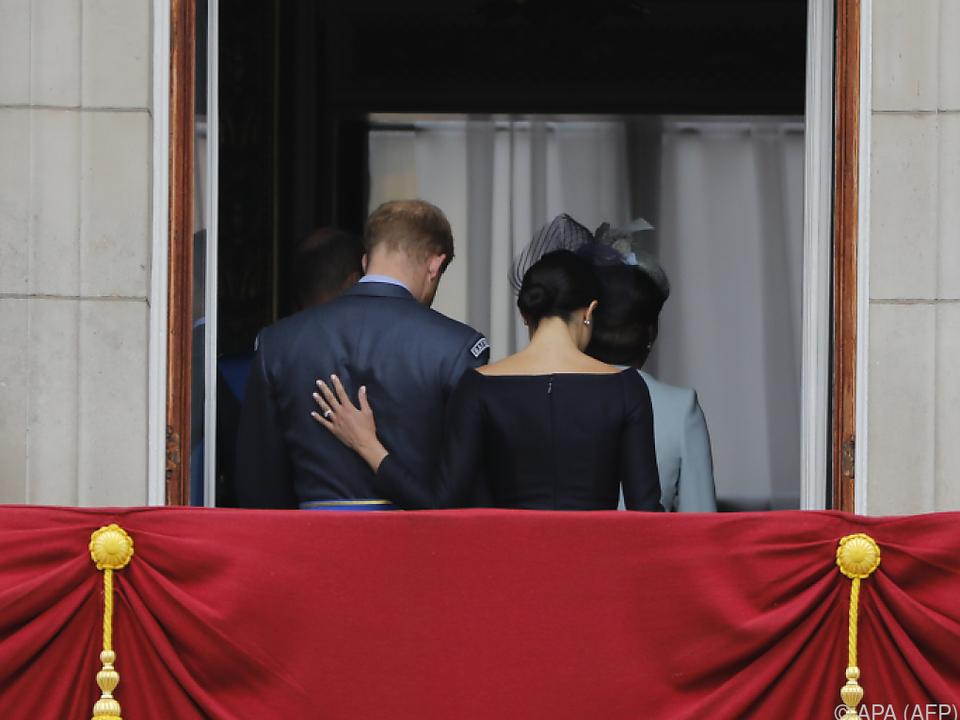 Viel Aufregung um Familienabschied von Harry und Meghan