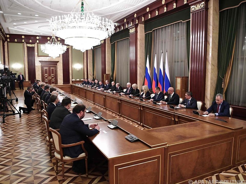 Wladimir Putin mit seiner neuen Regierung