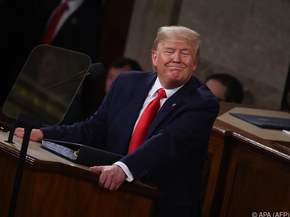 49 Prozent befürworten, wie Trump seinen Job als Präsident wahrnimmt