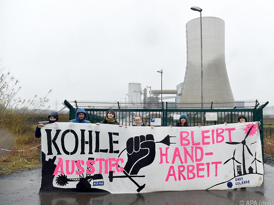 Aktivisten drangen in Datteln 4 ein