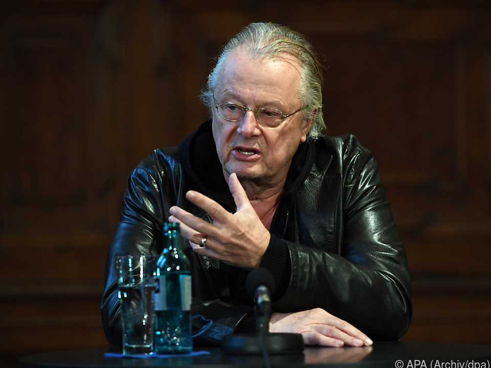Burgtheater rief wegen Castorfs mögliches Ableben an