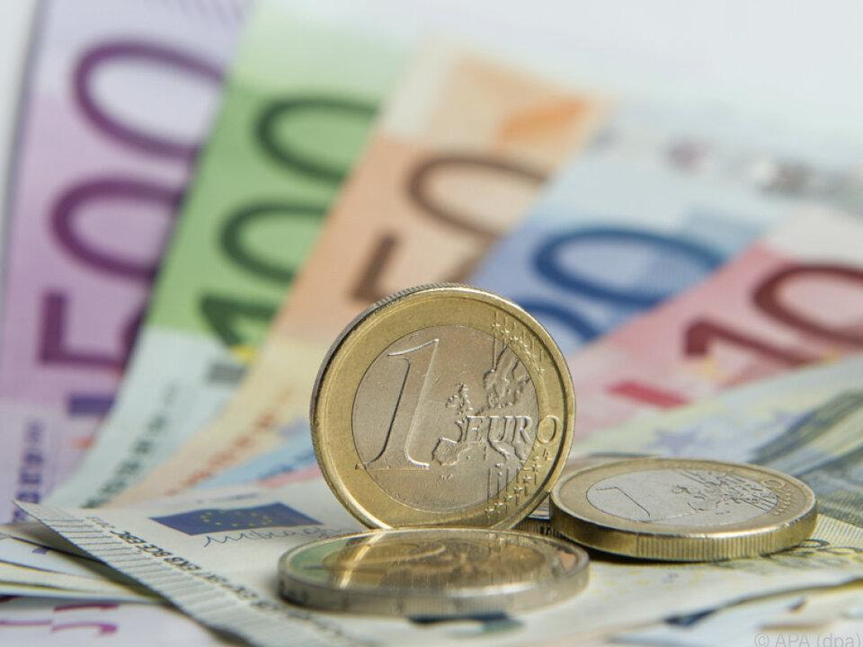 Die Banken horten riesige Mengen an Bargeld