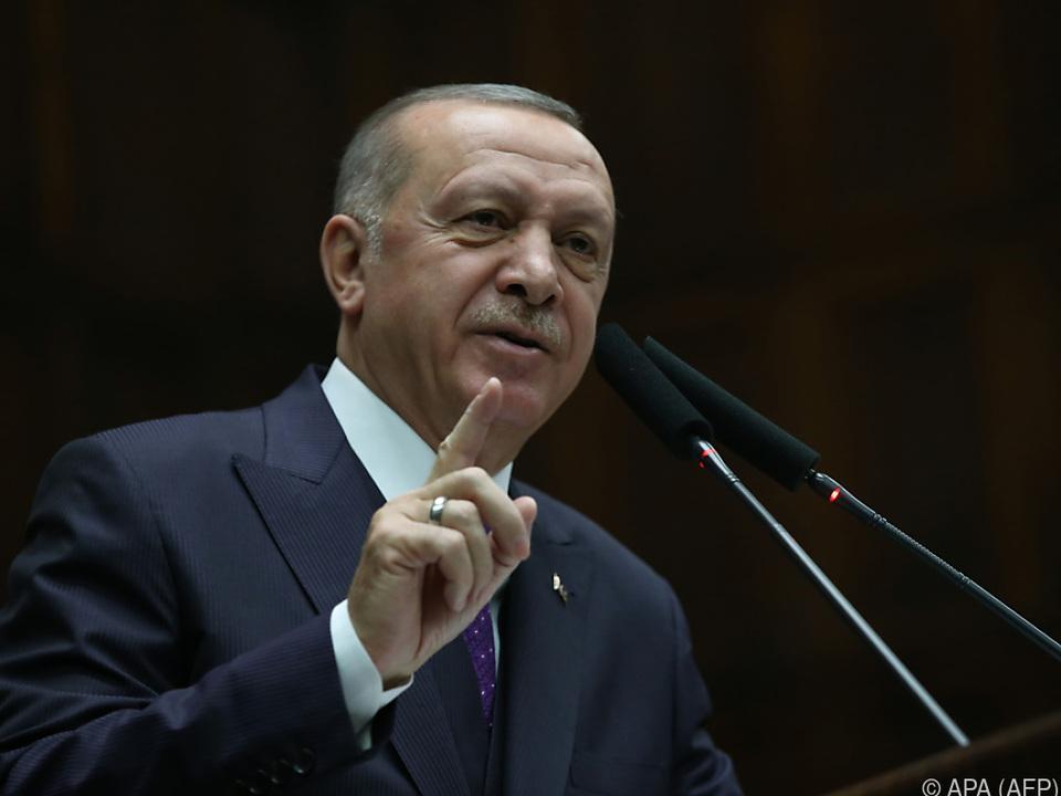 Erdogan droht den syrischen Truppen