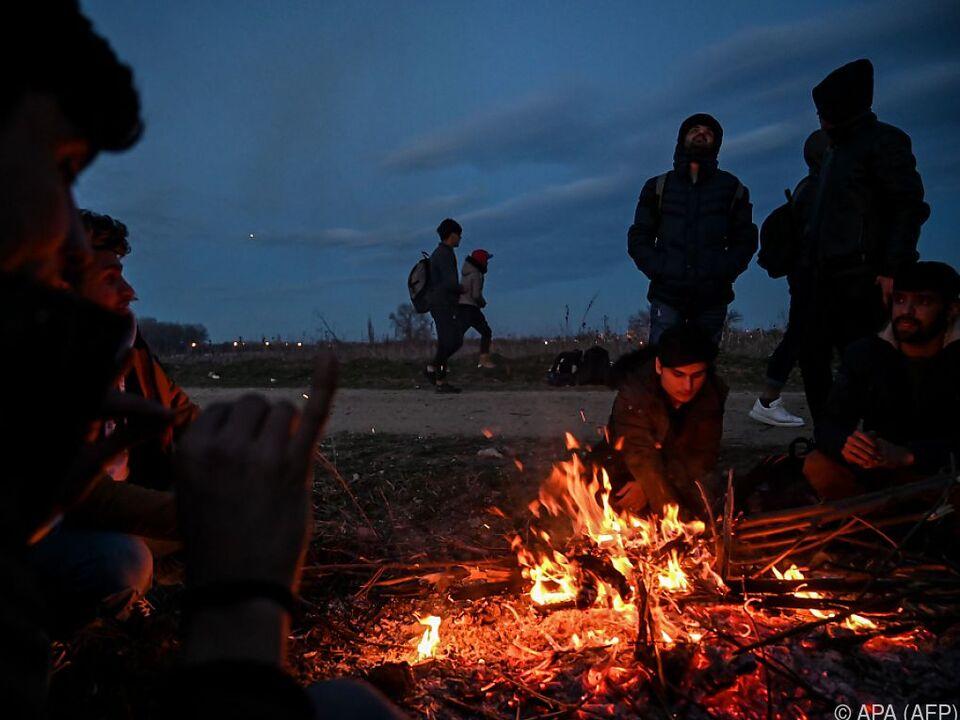 Flüchtlings-Situation zwischen Türkei und Griechenland angespannt