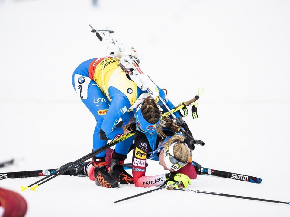 Foto_Wierer_Dorothea_Roeiseland_Marte_Olsbu_Mass_Start_Antholz_23_2_2020_Nordic_Focus