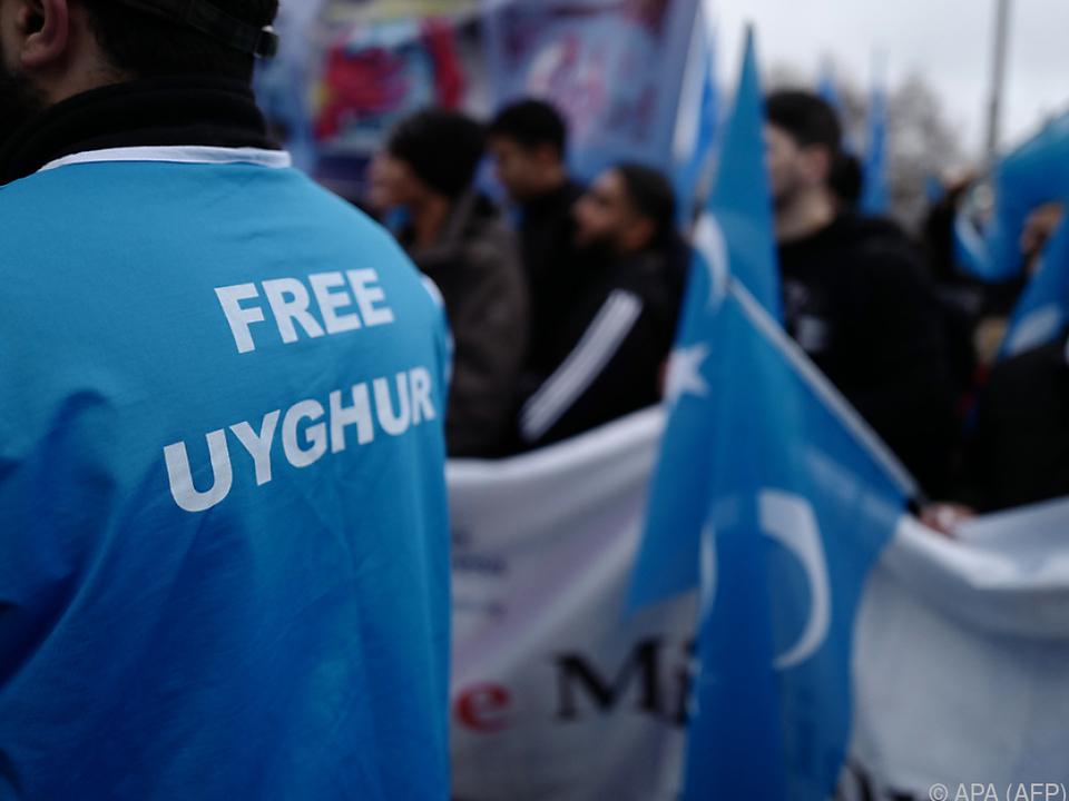 Hunderttausende Uiguren sollen in Umerziehungslagern sein