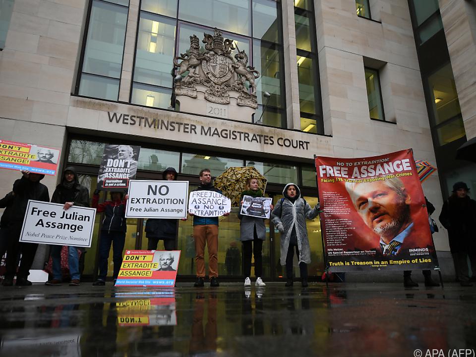 Immer wieder wird für die Freilassung von Assange demonstriert
