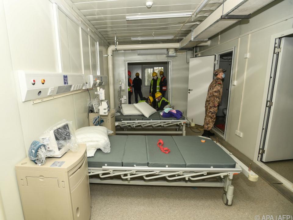 In zehn Tagen wurde in China eine neue Klinik aus dem Boden gestampft