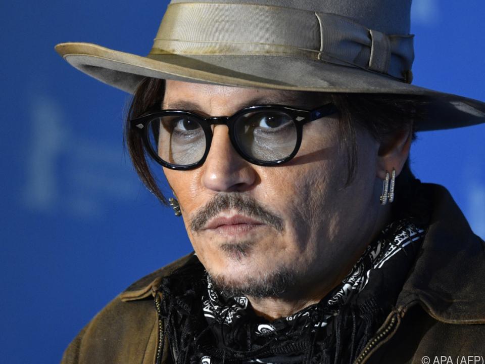 Johnny Depp klagt gegen eine Verlag