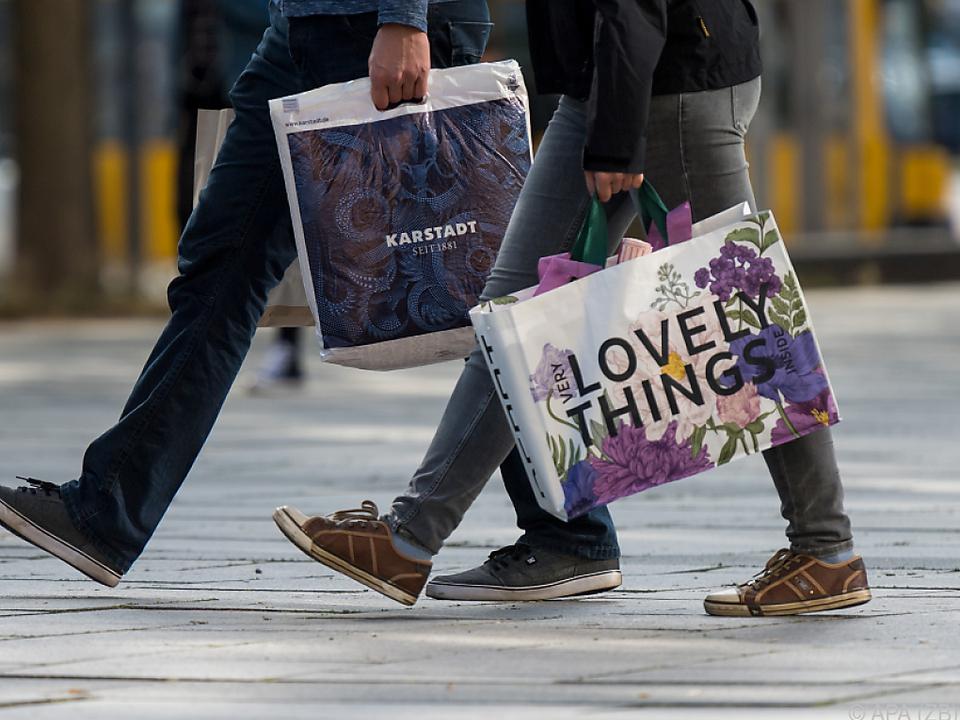 Konsum und Dienstleistungen stützen das Wachstum