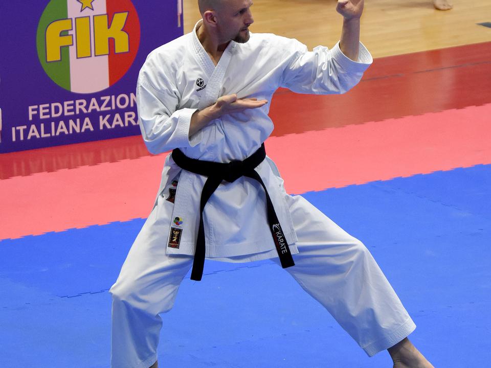 Martin Pezzei beim Kata