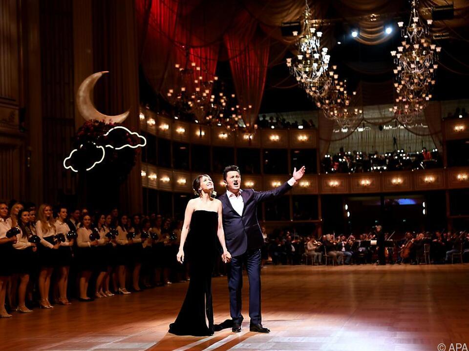 Piotr Beczala und Aida Garifullina singen bei der Eröffnung